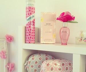 fashion, girly, and perfume image