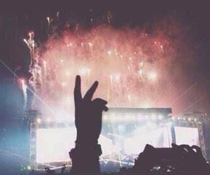 concert, fireworks, and wwat image