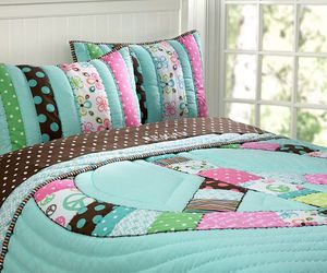 bed and peace image