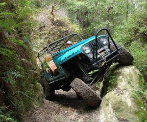 jeep and off road image