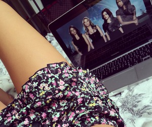 pretty little liars, shorts, and floral image
