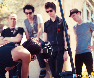 behind the scenes, com, and deryck whibley image