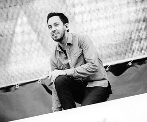 mike shinoda and linkin park image