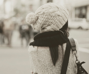 beanie, brunette, and hipster image