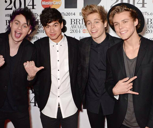 5sos, 5secondsofsummer, and michealclifford image