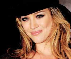 Hilary Duff and dearta image