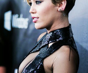 acne and miley cyrus image