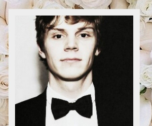 evan peters and lockscreen image