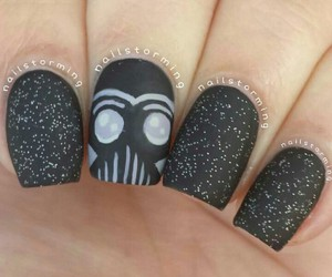 geek and nails image
