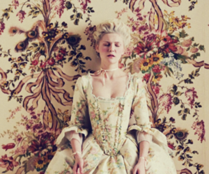 Kirsten Dunst, Sofia Coppola, and this is versailles image