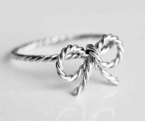 ring and bow image