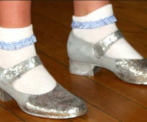 Dorothy Gale, silver slippers, and jadeoz image