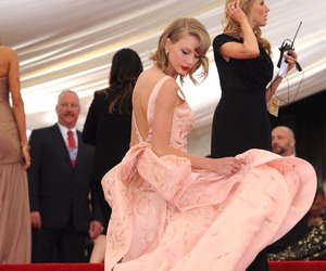 Taylor Swift, met gala, and red carpet image