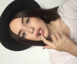 fedora, make up, and girl image