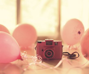 pink balloons, vintage camera, and perfect image