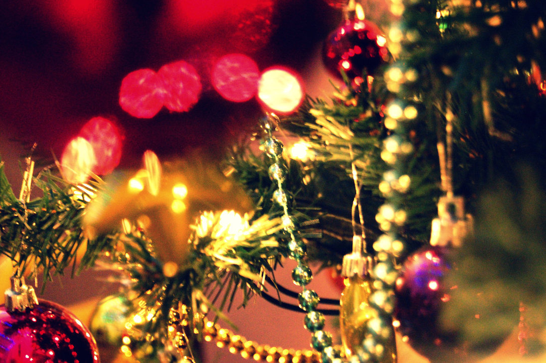 pretty christmas tree by ~charlotte-lucyy on deviantART