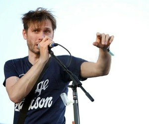 alex kapranos and franz ferdinand image
