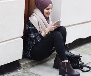 fashion, hijabstyle, and hijabmodesty image