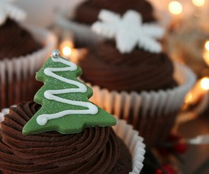 christmas, cupcake, and chocolate image