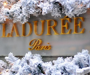laduree, paris, and christmas image