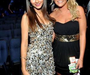 jamie lynn spears, victoria justice, and vma image
