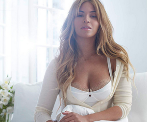 beyoncé, white, and queen bey image