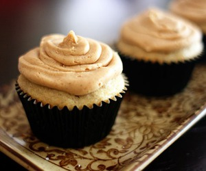 cupcakes and food image