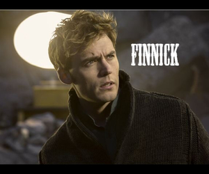 hunger games, finnick, and monkingjay image