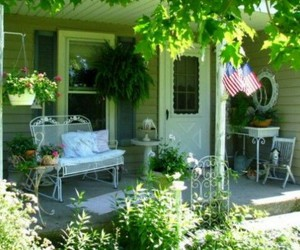 porch, shabby chic, and shabby cottage image