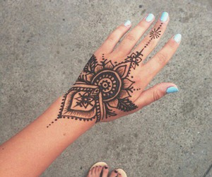 henna, mint, and nails image