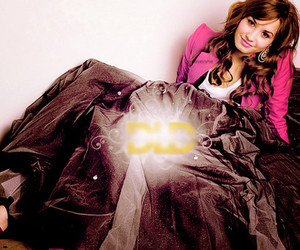 demi lovato, photoshoot, and Seventeen image
