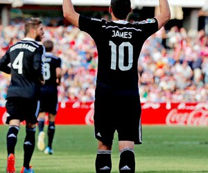 james, real madrid, and rodriguez image