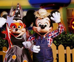 Halloween, mickey mouse, and minnie mouse image