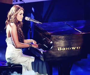 miley cyrus, piano, and miley image