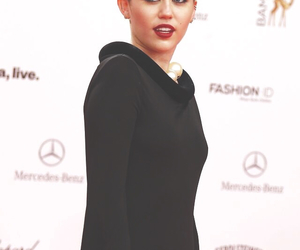 miley cyrus, destiny hope, and miley image