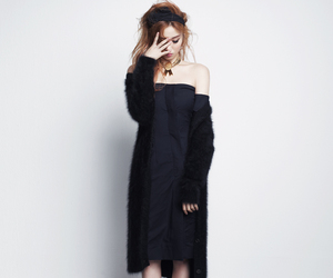 black dress, lee sung kyung, and lbd image