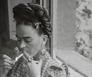 frida kahlo, Frida, and cigarette image