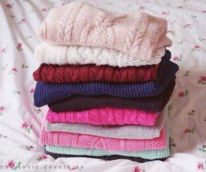 cozy, sweaters, and pink image
