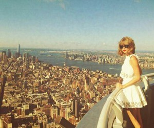 Taylor Swift, taylor, and city image