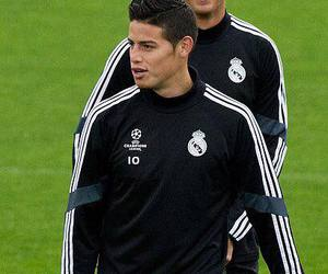 james, Ronaldo, and cristiano image