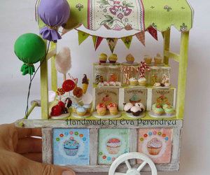cupcake and miniature image