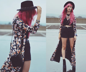 flowers, outfit, and pink hair image