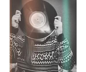 black, vinyl, and disc image