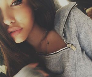 girl and madison beer image