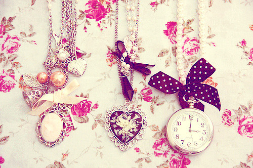 chains cute fashion girly hearts inspiring picture on favim com