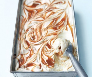 ice cream, food, and caramel image