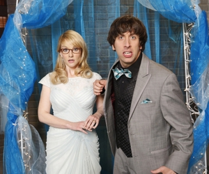 the big bang theory, bernadette, and howard wolowitz image