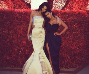 kim kardashian, kendall jenner, and sisters image