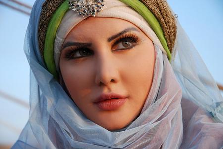 صور جيني اسبر بالحجاب JennyEsber