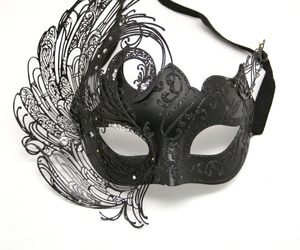 black and mask image